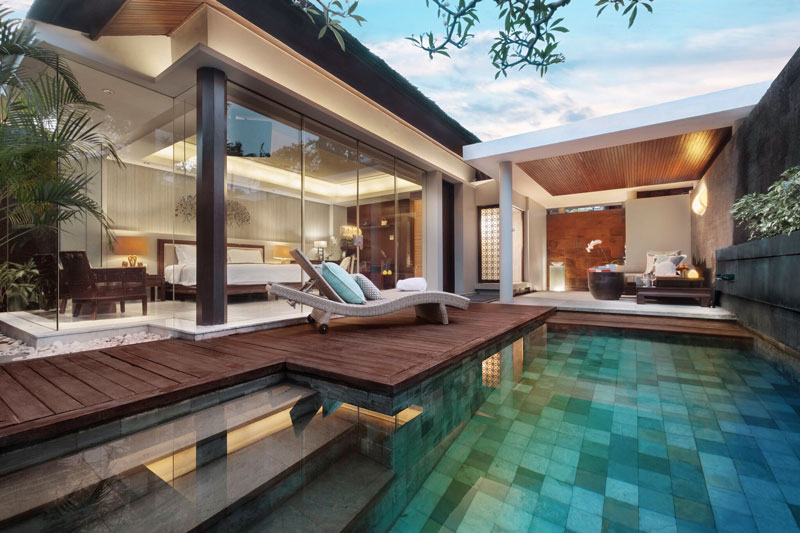 pool club villa