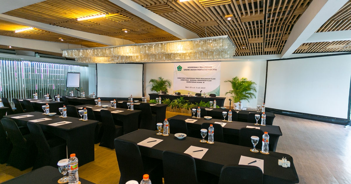 meeting room with extraordinary function experience