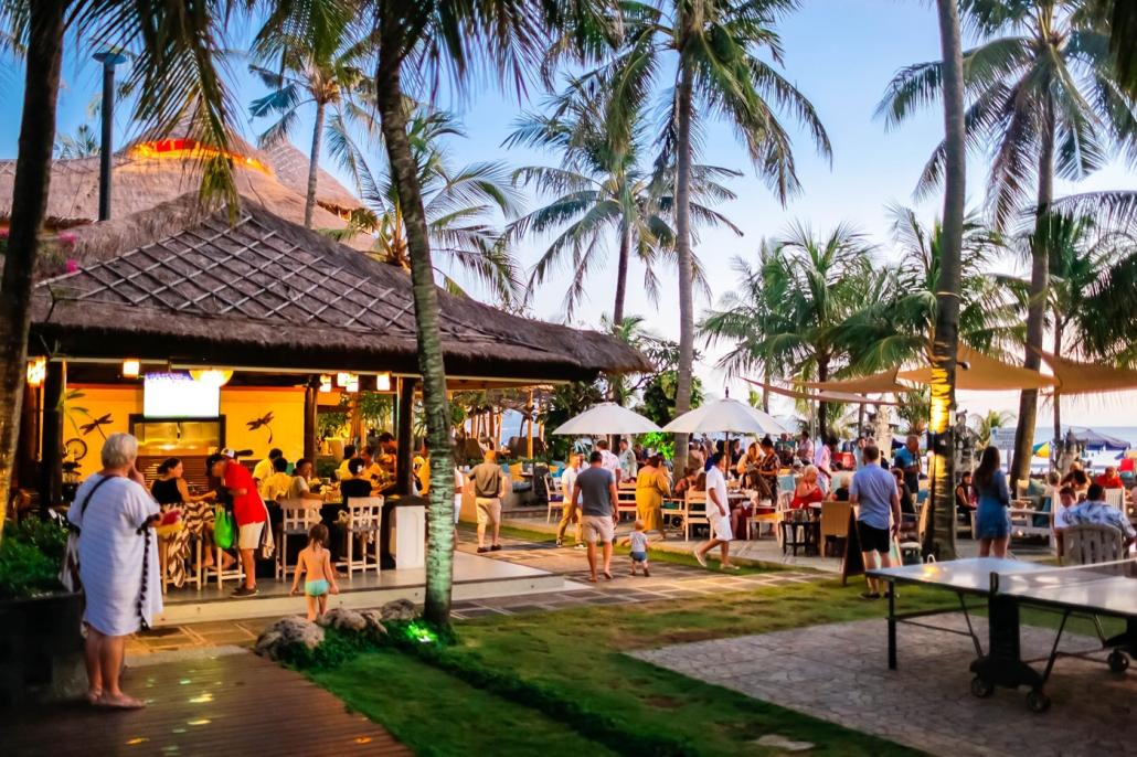 barong bar patio